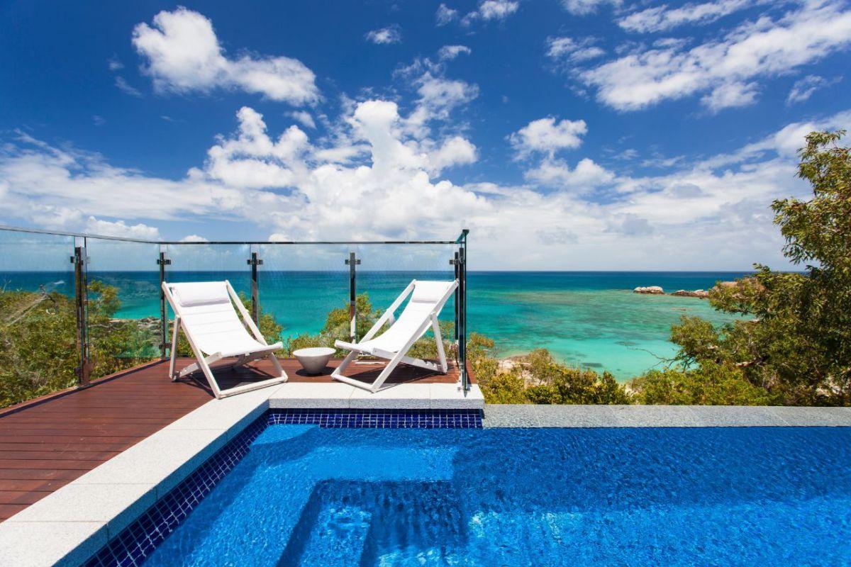 Lizard Island Resort plunge pool