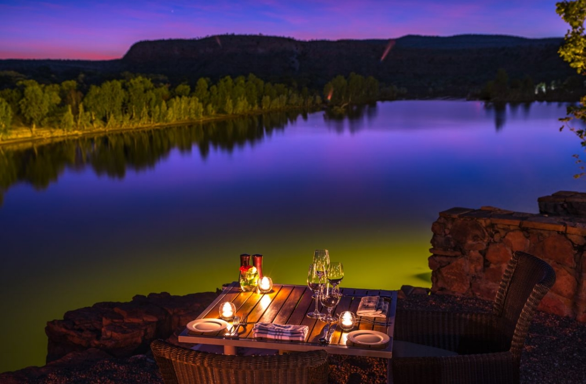 El-Questro-Homestead-Cliffside-Dining_Sunset-direct.jpeg