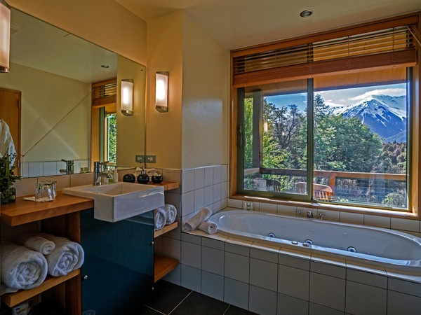 Wilderness Lodge Arthurs Pass bathroom