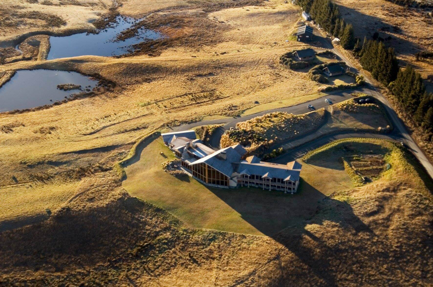 Fiordland-lodge-high-aerial.jpg