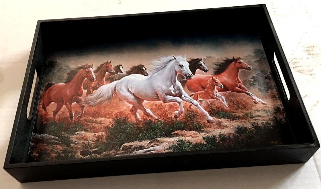 Rectg. Tray L size- 8 Racing Horses.jpg