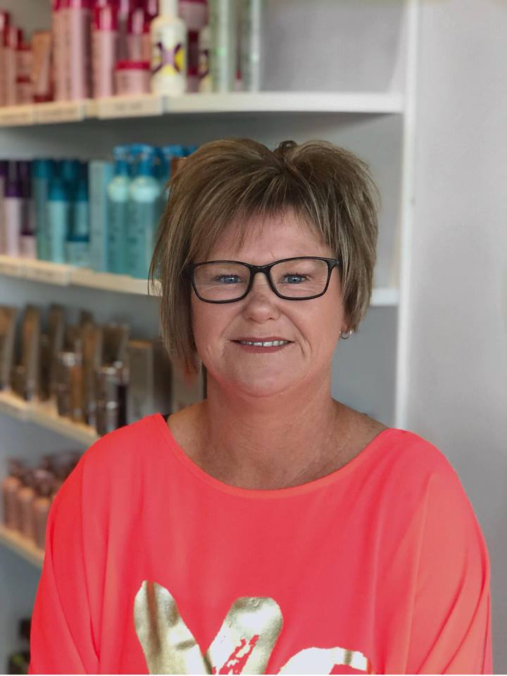 """Shiree has been hairdressing for over 20 years & has a wealth of experience in the industry. She is committed to a high level of care & attention to her clients which is reflected by her huge client base. Even after 20 years in the industry Shiree is still passionate about her job. """" I absolutely love meeting new people & making them feel amazing."""" Shiree particularly enjoys blow waving, perming & cutting."""