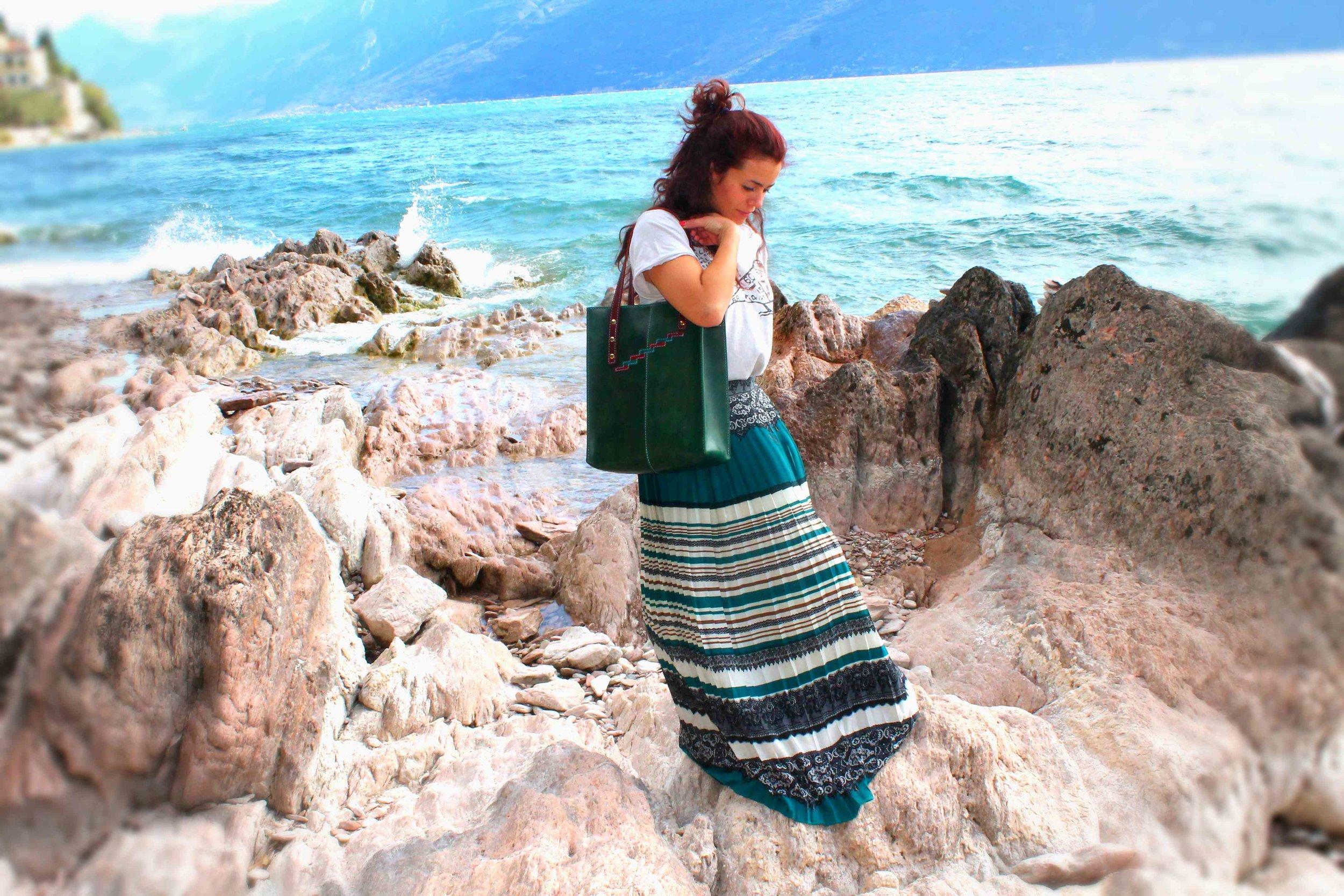 Summer #statusquoio #cuoio #lake #bag #wave.jpg