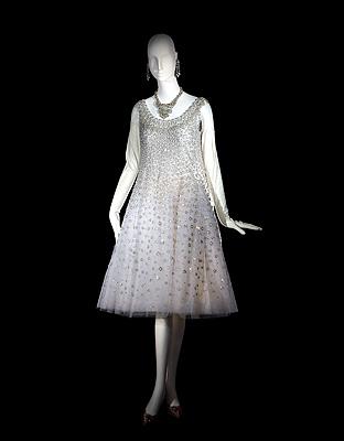 3_16_CopyrightAlexandreGuirkinger1958-DiorTrapeze_a