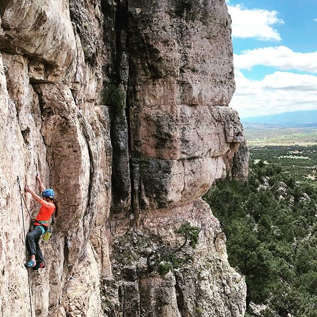Some crimpy classic 11c/d in Colorado #coloradoclimbing #girlswhoclimbofficial #girlswhoclimbrocks #girlswhoclimb #womenclimbing #rockclimbing