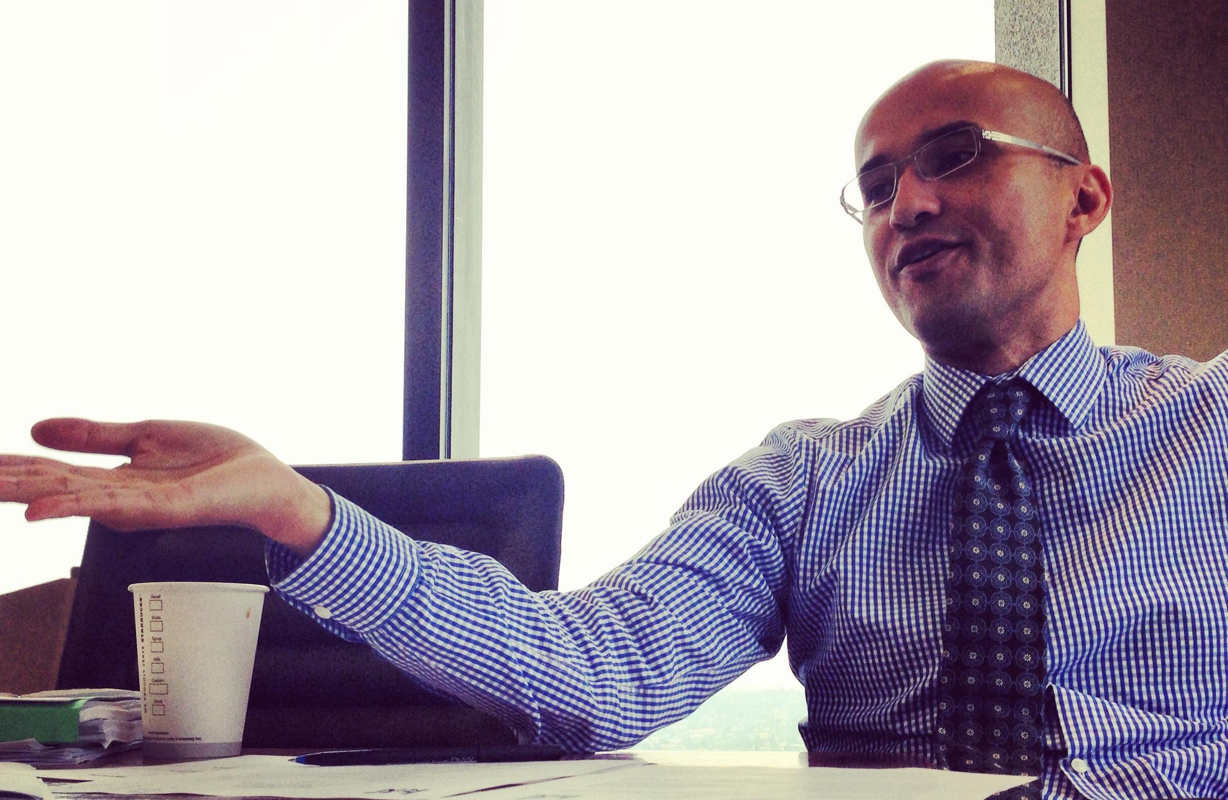 Alfred Fraijo, Jr. chairing a LURN board meeting.