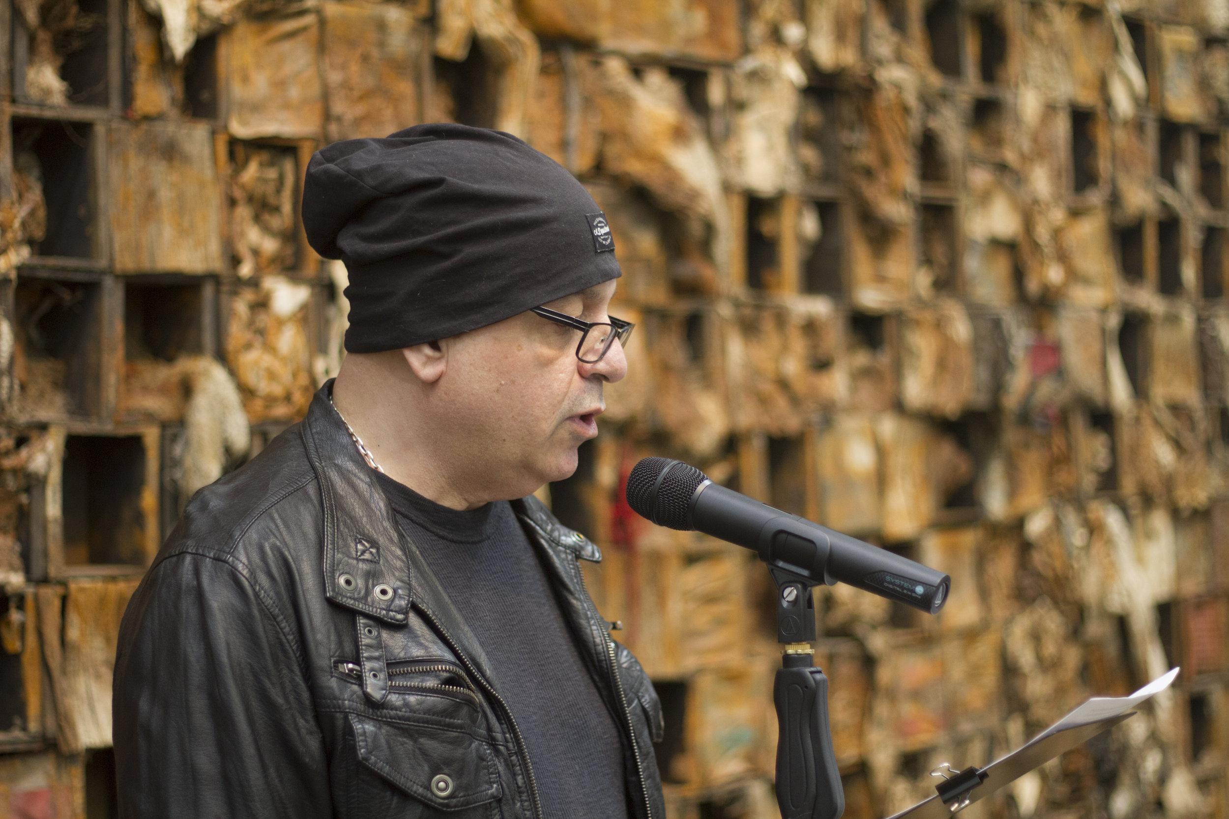 Domenick Pilla reading at Poets Walk 2018