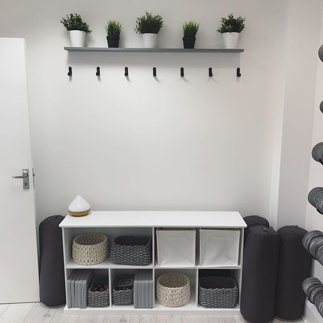 CHANGING ROOM - If you're coming from work, the gym, a friends house or anywhere else, we have a nice little room at the back of our studio for you to change and leave all your belongings. Less things to stress about = happier you = happier us 😊 @wellnessspaceuk #yogaandwellnessstudio #sunderlandyoga #healthandwellness #morethanjustyoga #wellnessspaceuk