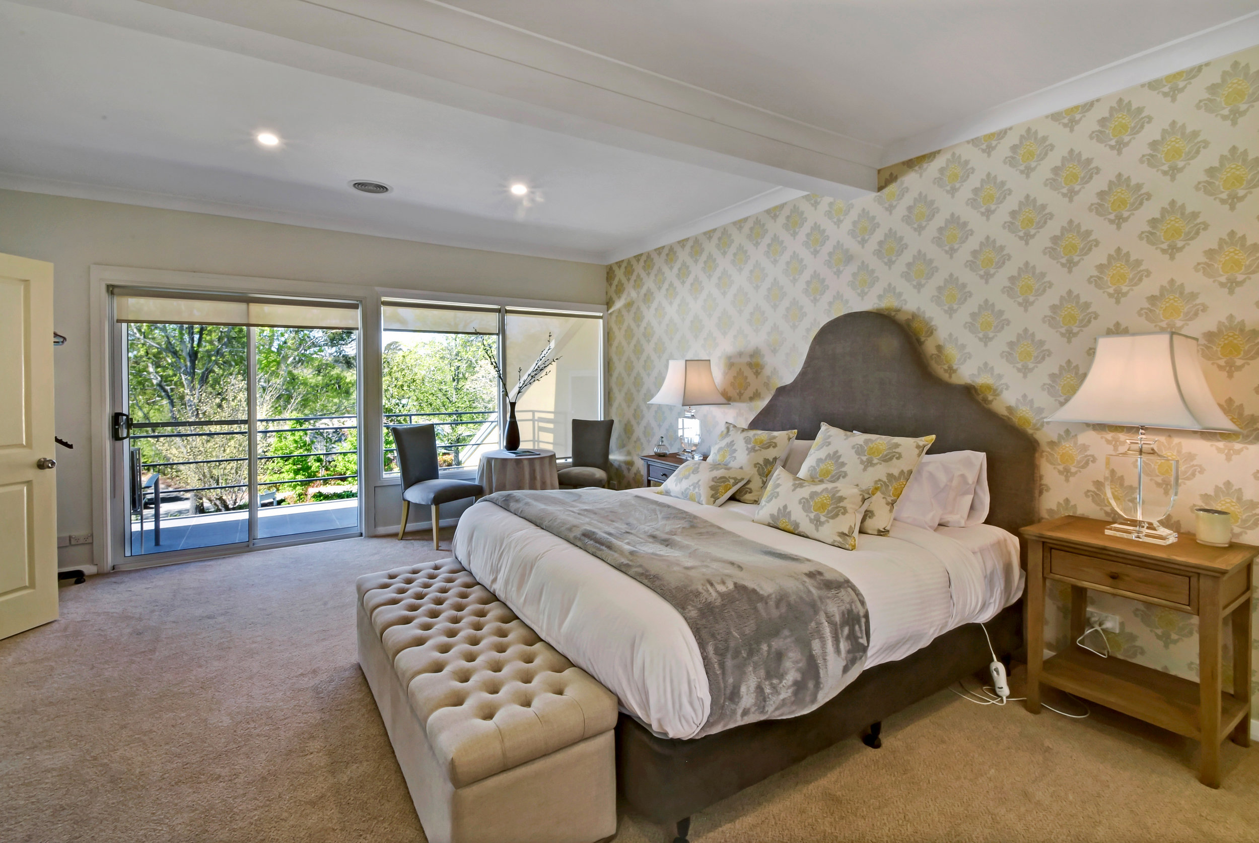 1 king bed | max 2 people (adults only)