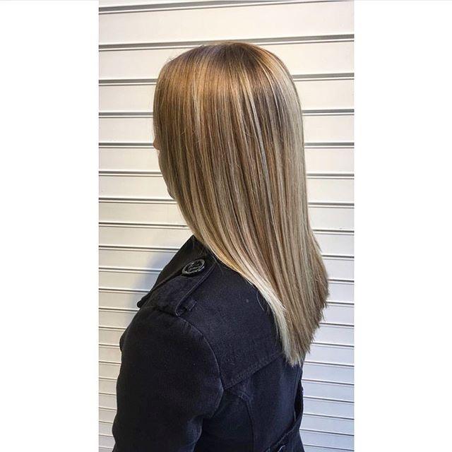 Get it gurl 😍 bit of a #throwback  Cut, colour, and styling by Deidre  #balayage #straighthair #blonde #brunette #blondebalayage #brunettebalayage #hairinspo #hairgoals #hobarthair #hobarthairdresser #hobartsalon #hobarthair #Tasmaniansalon #instahair #longhair #hobarthairstylist #tashairstylist #kevinmurphy #goldwell #goldwellaus #kmshair #kmsausapproved #cloudnine