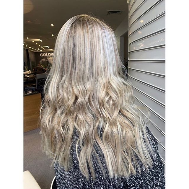 Don't you just love a perfect blonde 🤤 Colour, cut, and styling by @haircreatedbynay_  #blonde #blondehair #foils #icyhair #icyblonde #icyblondehair #blondewaves #wavedhair #beachywaves #hobartsalon #hobarthair #hobarthairdresser #hobartsalon #hobarthair #tasmaniansalon #hairinspo #instahair #longhair #hobarthairstylist #tashairstylist #goldwell #goldwellaus #kevinmurphy #modernsalon #kmshair #kms #genrehair #goldwellausapproved