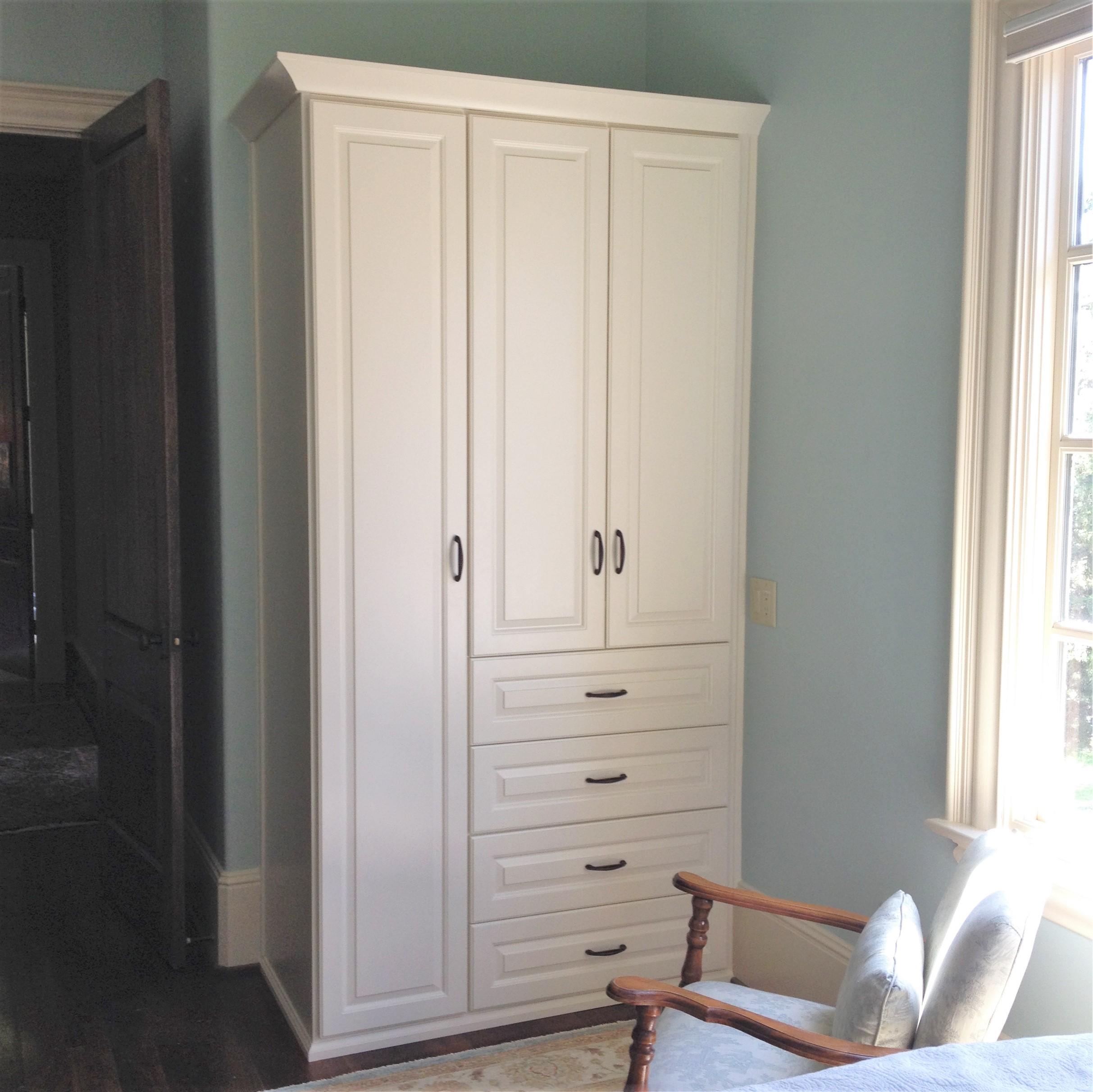Guest Bedroom Wardrobe - After.JPG