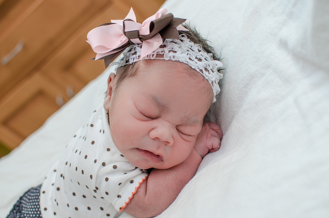 fresh-48-newborn-photographer-louisville-ky_0032.jpg