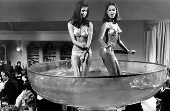 bikini-dancers-in-a-glass-11.jpg