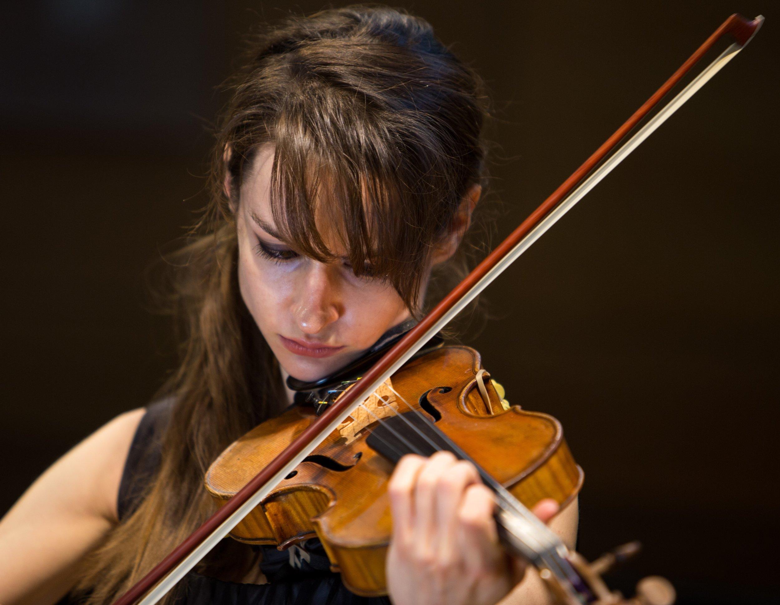 Margaret Dziekonski - Violin