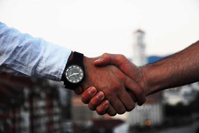 handshake-1513228_640.jpg