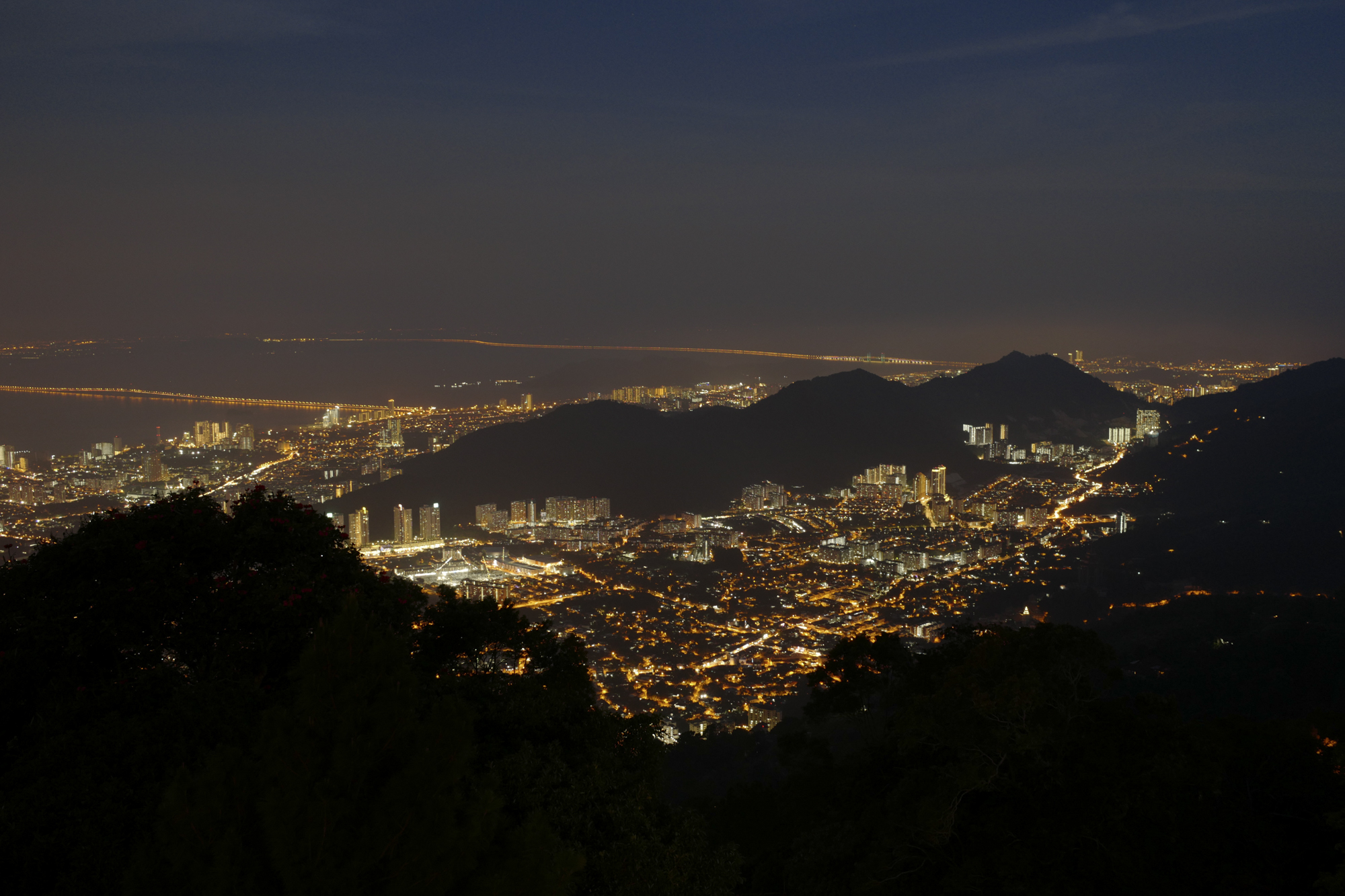Georgetown at Dusk, a view from Penang Hill. Penang, Malaysia 2018.  ©  Danny Imson. Leica CL, Leica Summicron-TL 23mm F/2 ASPH