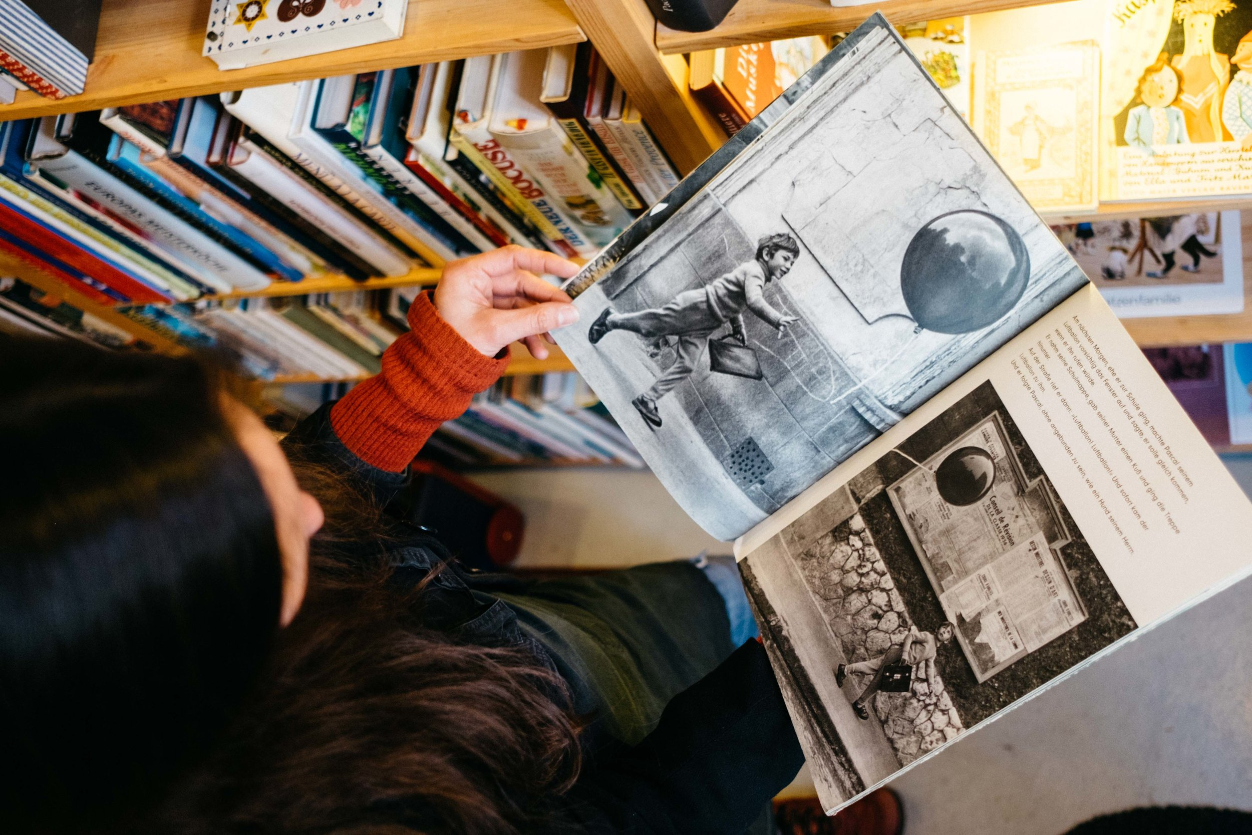 antiquariat-langguth-restaurator-buch-literatur-koeln-wearecity-atheneadiapoulis-64.jpg