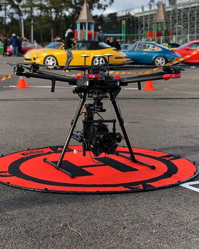 I helgen jobbade jag och @claes_helander med och livesända finalen i Porsche Carrera Cup. 🏎💨 @arrowcam @nepsweden