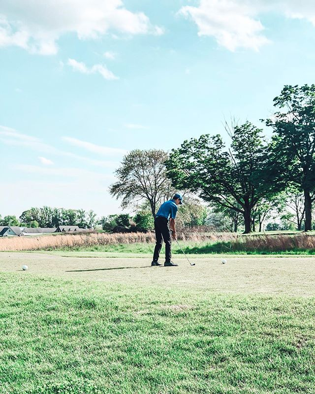 he is officially better than me at golf... (it doesn't take much) 🏌🏼♂️💙 so proud of you, @n_sultz15 !! . . . . . #golf #rockmanor #👏🏻 #spring #golflife #golfing