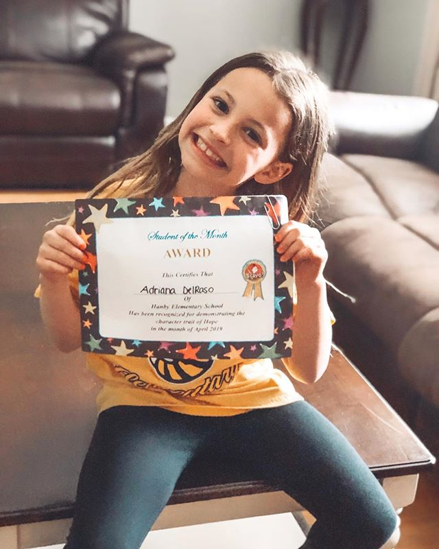 Student of the Month 🤩💗 . . . . . . #studentofthemonth #soproud #happy #love #daughter #mygirl #hope #award #yay #yougogirl