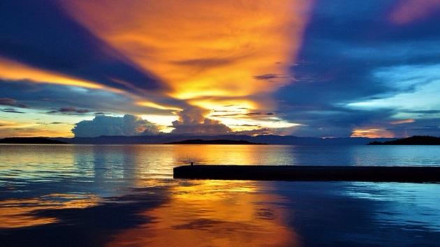 Lake Shore Lodge Tz - Lake Tanganyika - Activities - Sunset Cruise - Blue & yellow sunset.jpg
