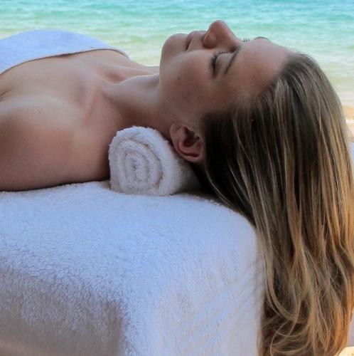 Lake Shore Lodge Tz - Lake Tanganyika - Spa - Relaxing massages.jpg