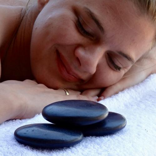 Lake Shore Lodge Tz - Lake Tanganyika - Spa - Massage detail.jpg