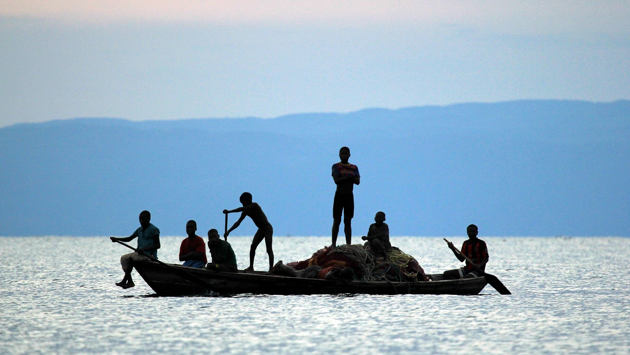 Lake Shore Lodge Tz - Lake Tanganyika - Fishermen with their nets.jpg