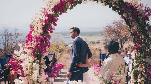 Lake Shore Lodge Tz - Lake Tanganyika - Special events - Wedding - View through the arch.jpg