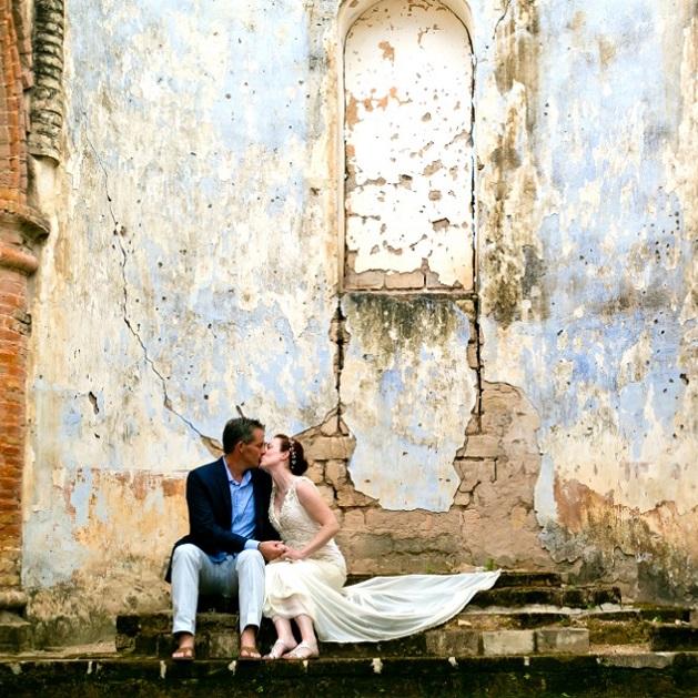 Lake Shore Lodge Tz - Lake Tanganyika - Special events - Wedding - A kiss at the alter.jpeg