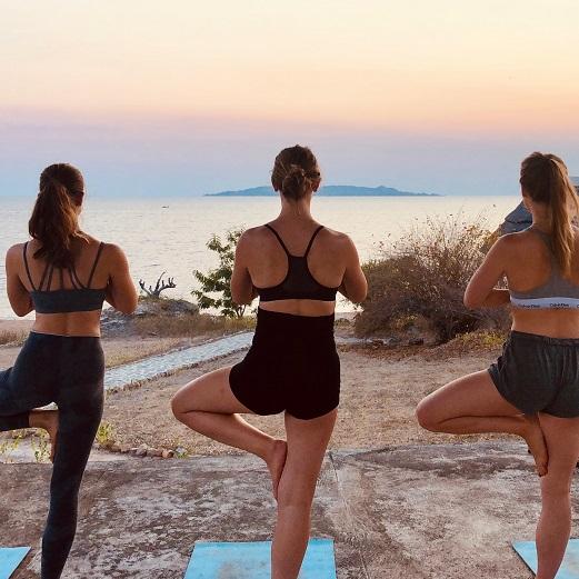 Lake Shore Lodge Tz - Lake Tanganyika - Yoga at sunset.jpg