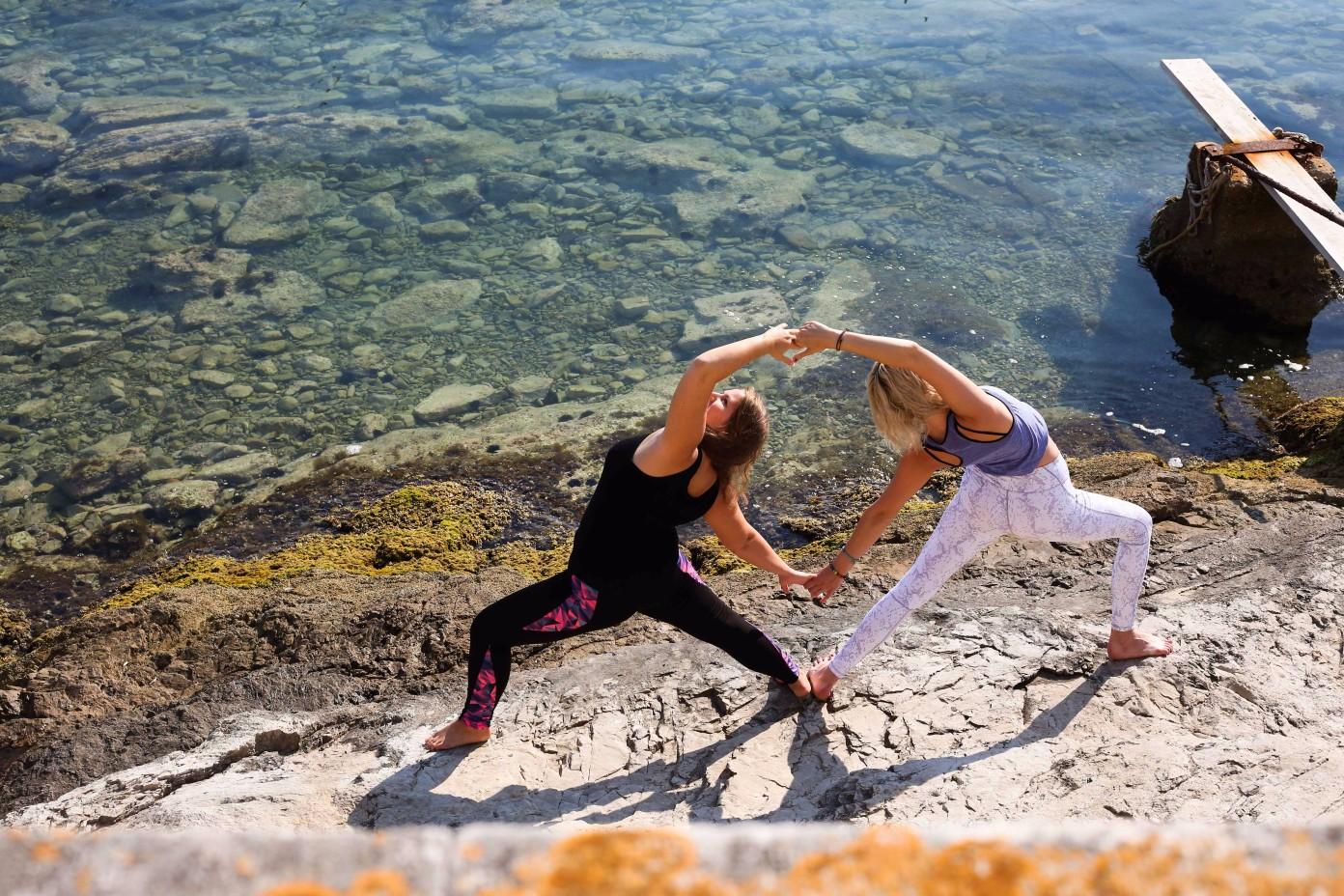 summersalt-yoga-balance-vis-croatia41.jpg