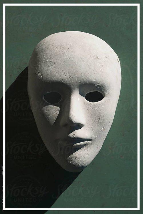 Services_mystery_diner_mask.jpg