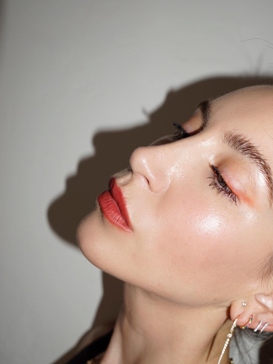 Red lip for summer - nikkideroest.com