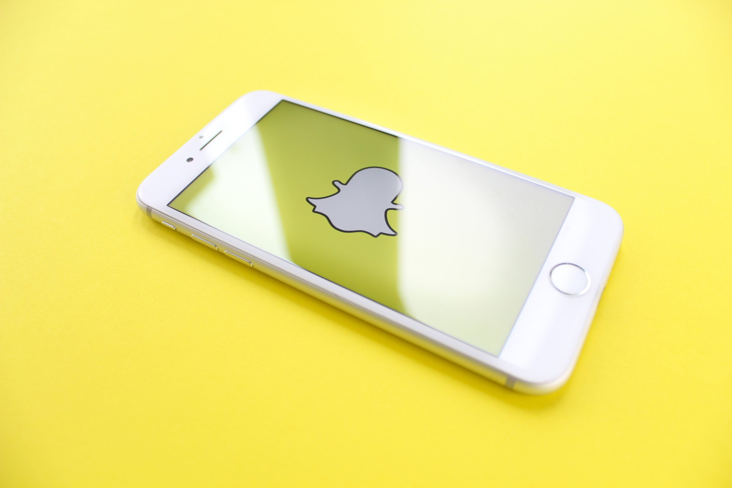 "Snapchat expands shoppable AR to top creators - In late June, Snapchat opened native commerce to top creators like Kylie Jenner. Now, the platform is letting creators go beyond using ""Shop now"" buttons in their Stories and letting them use AR Lenses to do the same, starting with Nicki Minaj. (TechCrunch)"