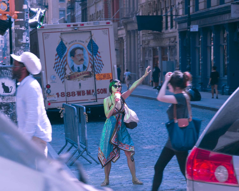 06-PA-NYC Hailers.jpg