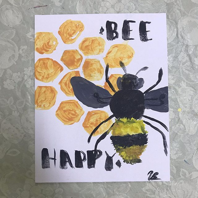 Our Friday mood 🐝 ✨