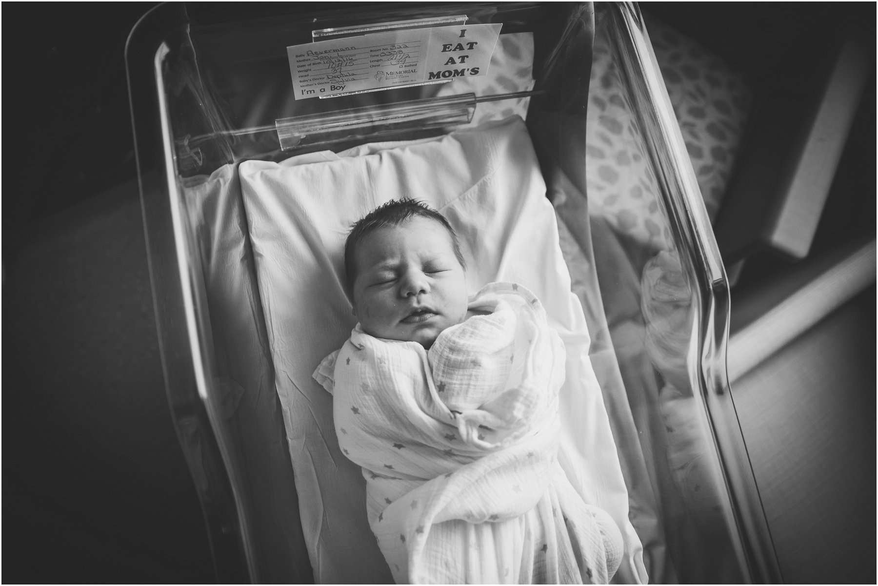 SHERRYLANEPHOTOGRAPHY_STLOUISNEWBORNPHOTOGRAPHER_RYKER__2016 (18).jpg