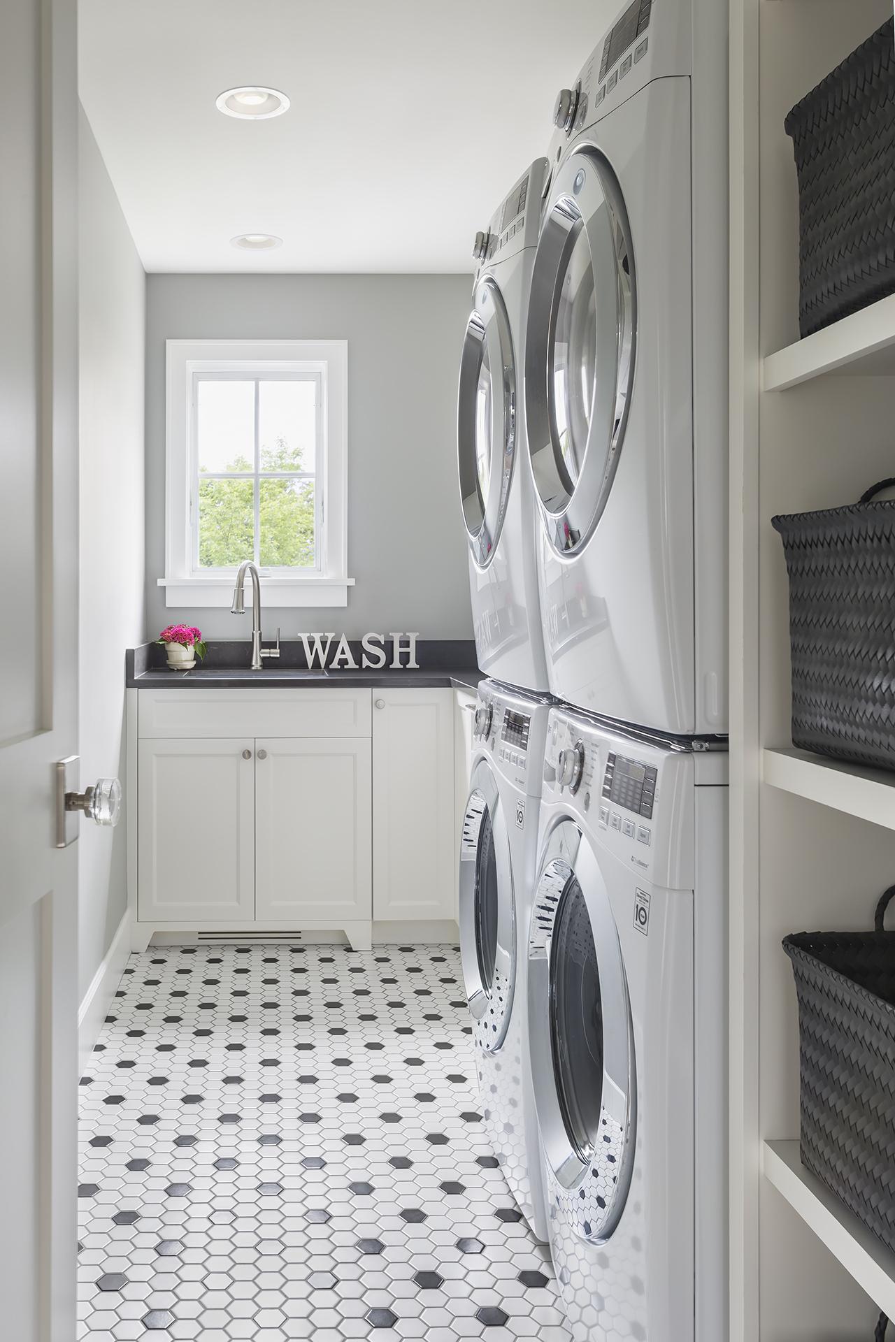 LaundryRoom_2018_05_23.jpg