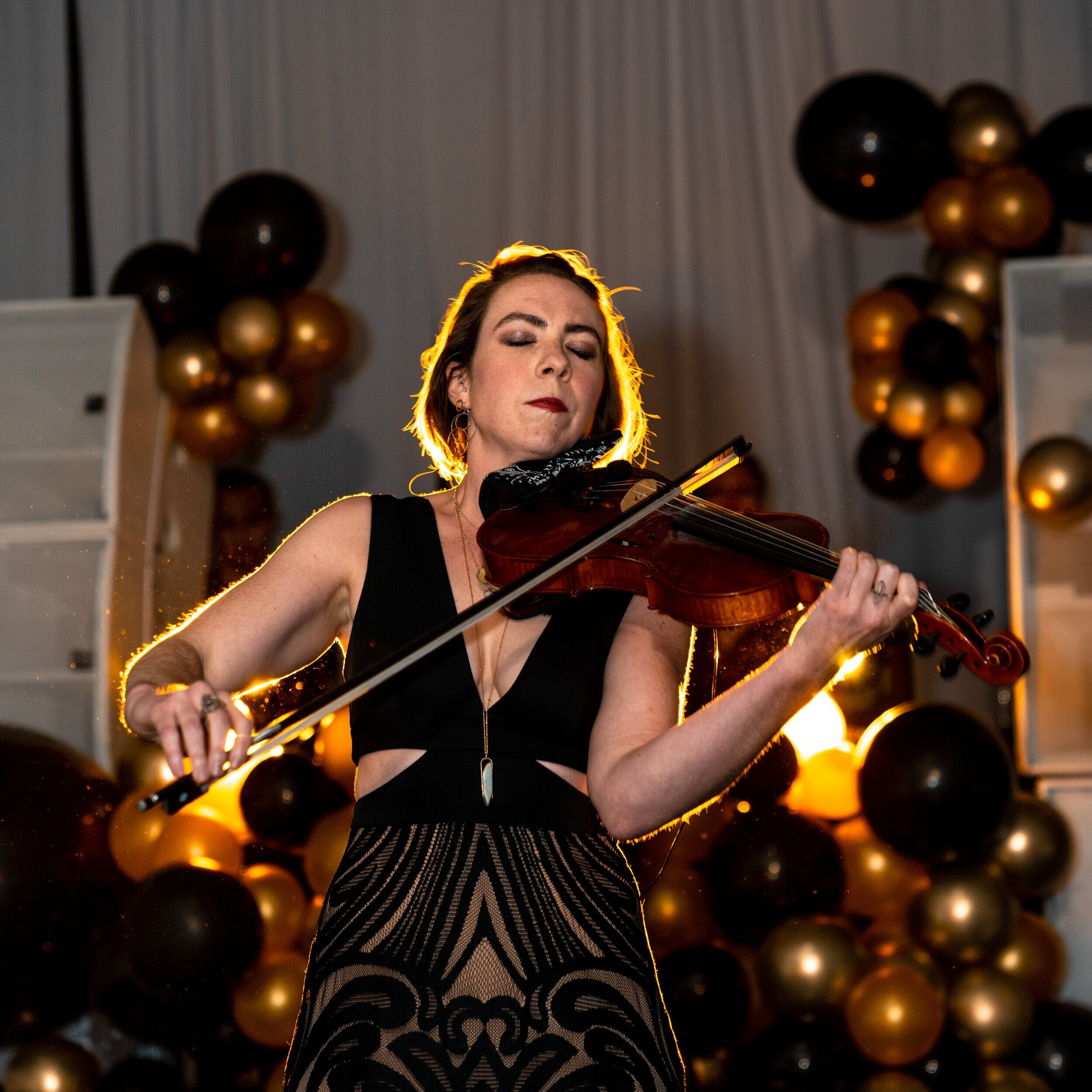 Soloists & Duos - From wedding ceremony soloists to stunning reception performances, Ignight Entertainment can provide the perfect musician for your special event. Soloists and duos from every category are available; violinist, vocalist, saxophonist, trumpet, drummer and more. Pair a soloist with a DJ for an exciting DJ musician fusion!