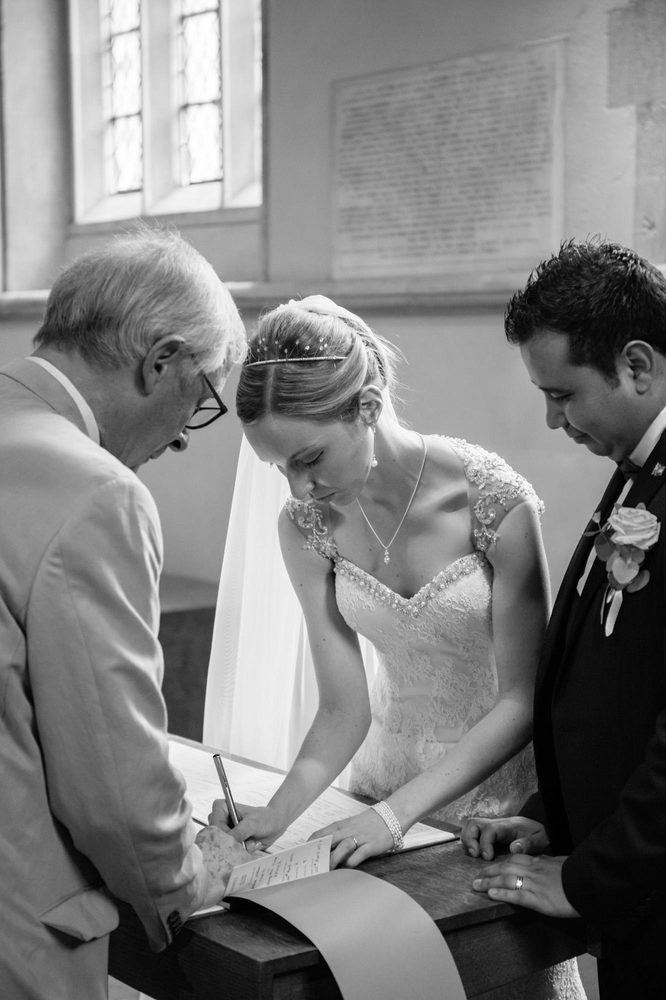 weddings-couples-love-photographer-oxford-london-jonathan-self-photography-39.jpg