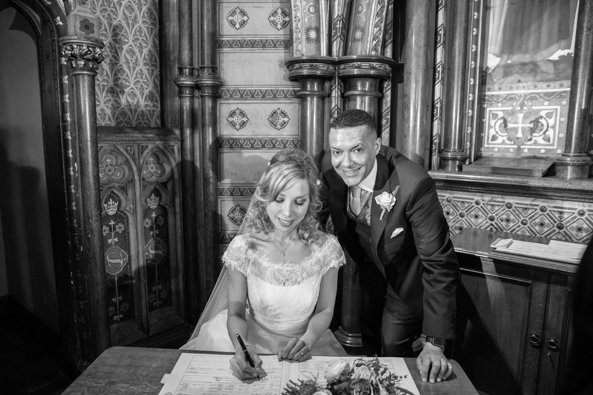 weddings-couples-love-photographer-oxford-london-jonathan-self-photography-40.jpg