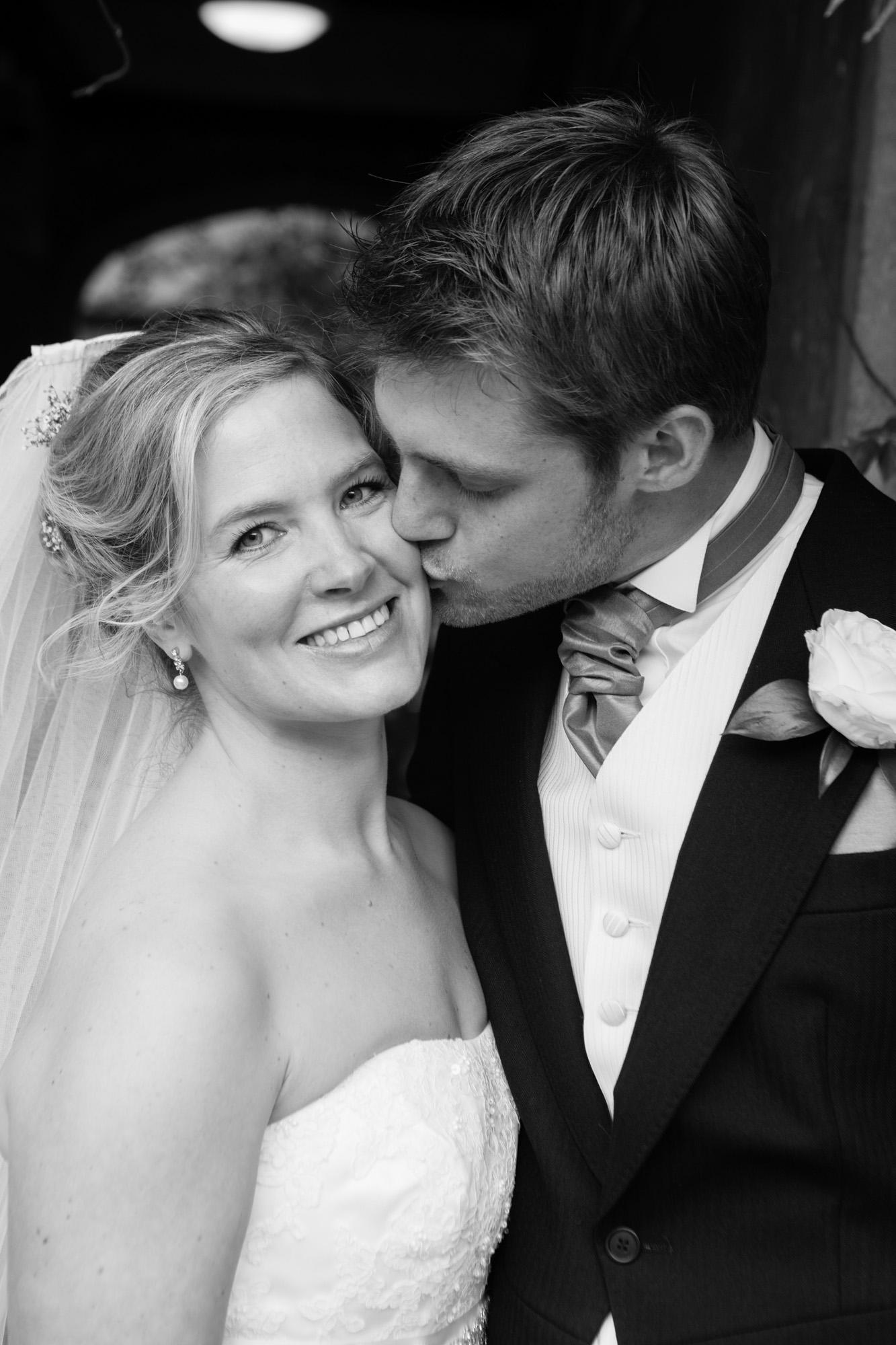weddings-couples-love-photographer-oxford-london-jonathan-self-photography-69.jpg