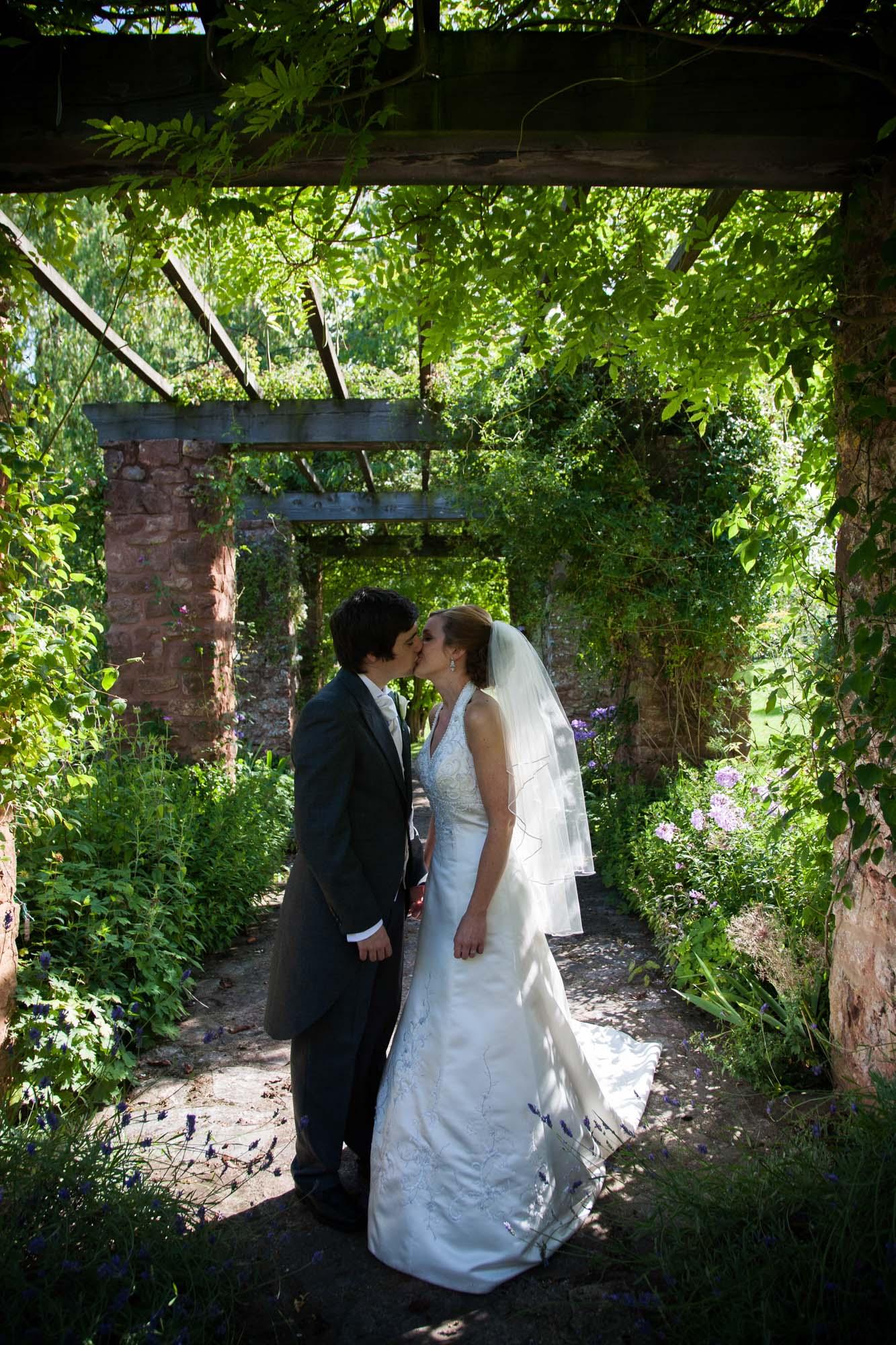 weddings-couples-love-photographer-oxford-london-jonathan-self-photography-76.jpg