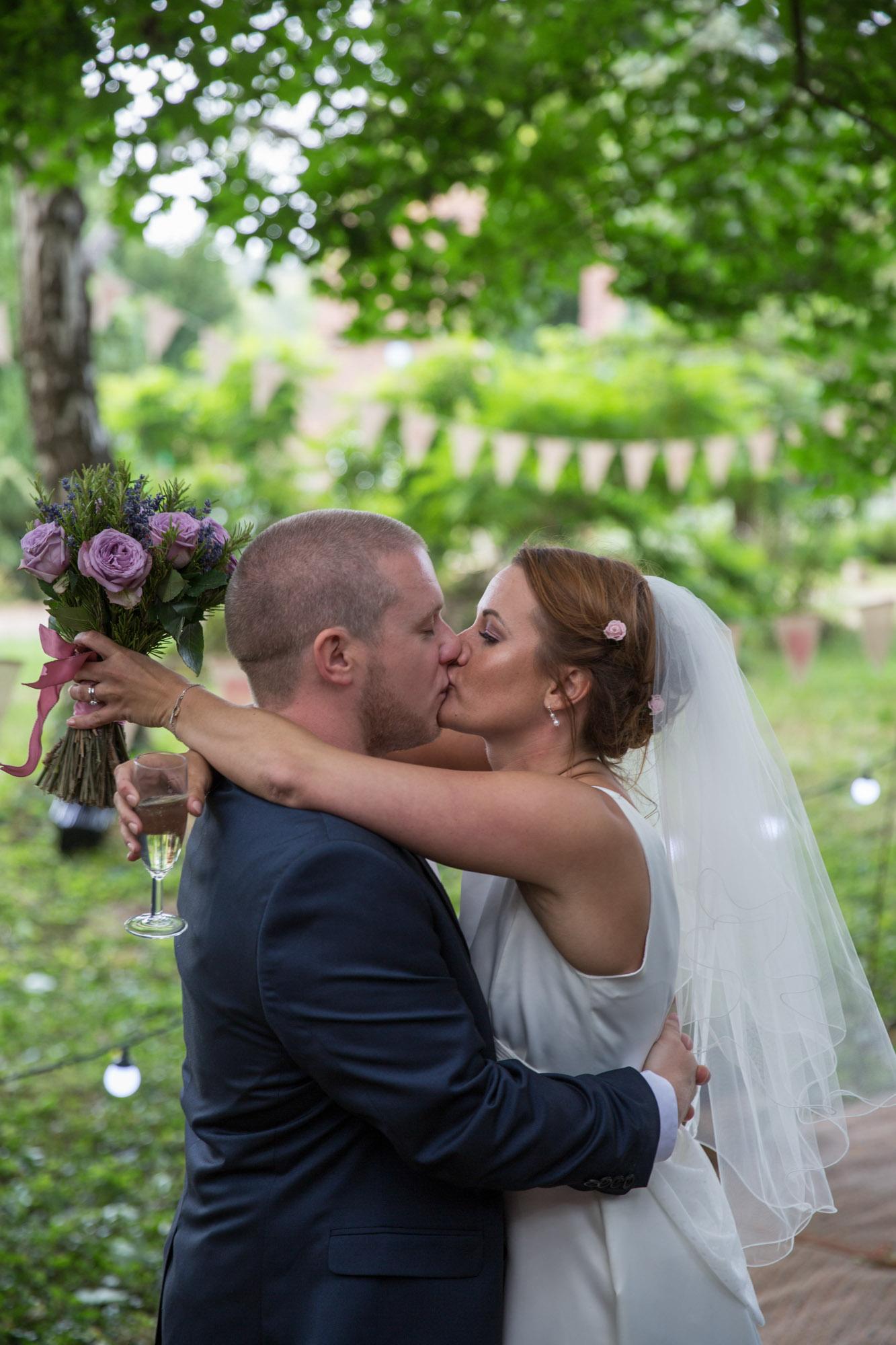weddings-couples-love-photographer-oxford-london-jonathan-self-photography-93.jpg