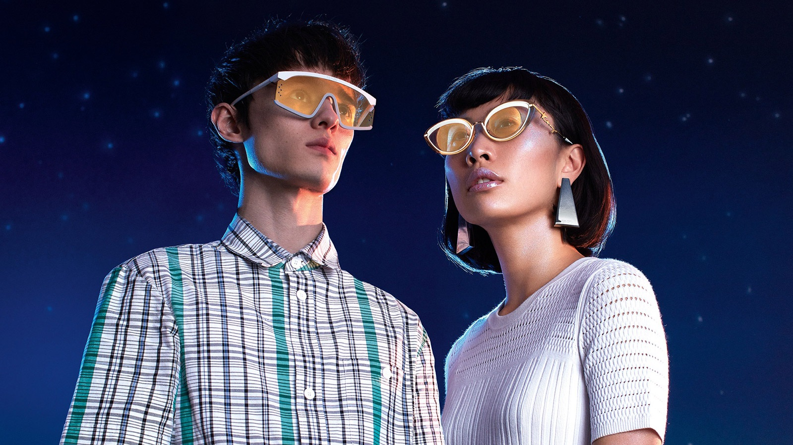 Kenzo - This fashion brand which started as a boutique in Paris has broadened into the optical world with its trendy shapes and colours giving the wearer that exclusive look.