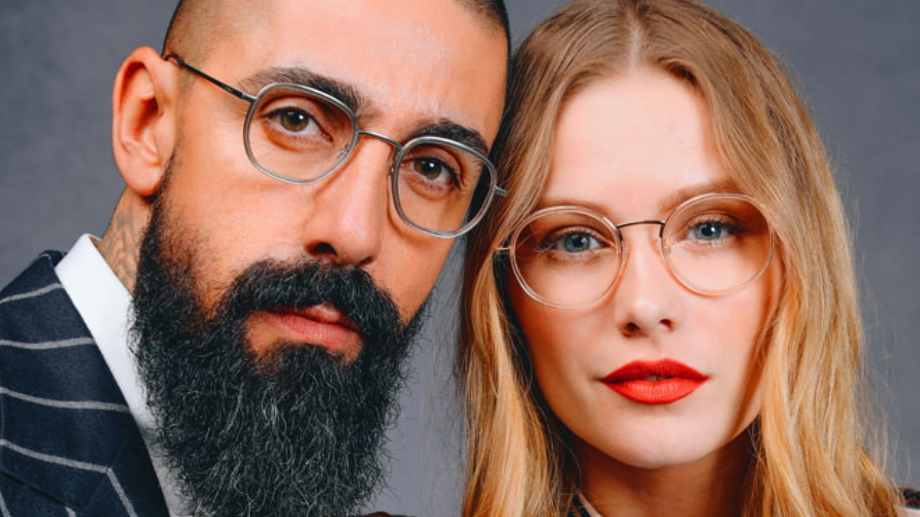 T-Charge - Retro looking unisex styles, reinventing the vintage look and shape. Materials such as titanium, acetate and wood component make up the collections trendy look.