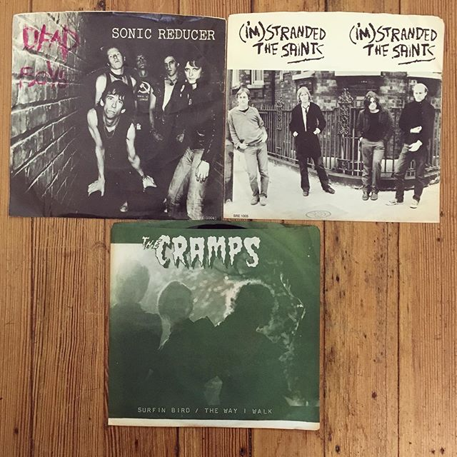 "Looks like a few unplayed punk 7""s snuck into the box. Not too shabby. #vinyl #punk #7a #cramps #deadboys #thesaints #vengeancerecords #unplayed #promos #newhaven #ct #westville #buyrecords #lovevinyl"
