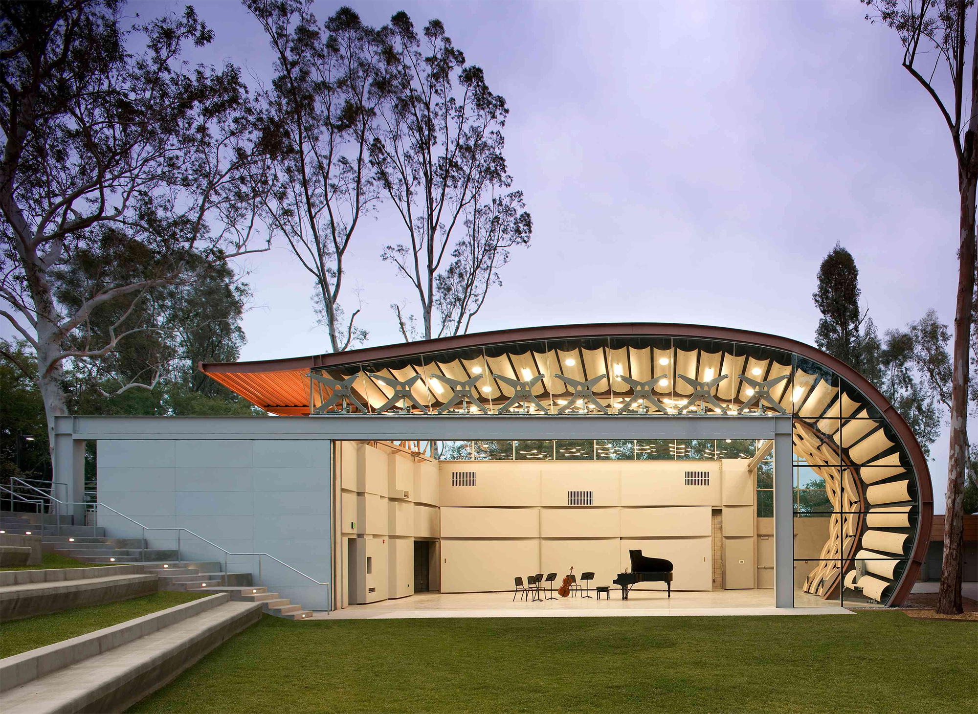 WildBeast Pavilion, by Hodgetts + Fung